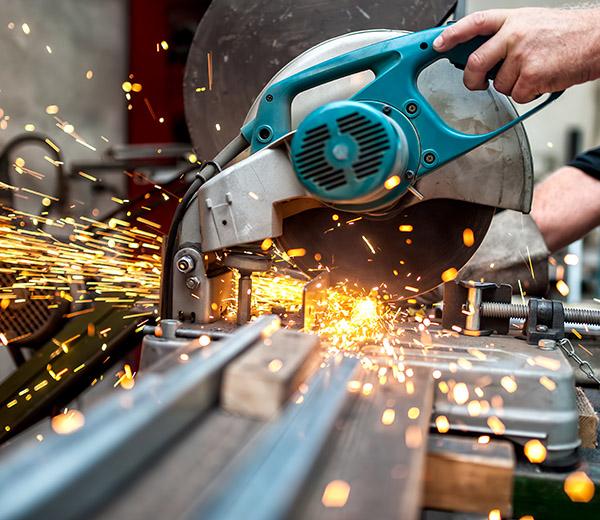 Mevor GmbH - Metallbearbeitung, bei der Arbeit